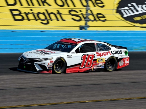 Busch Finishes Third at Phoenix Raceway