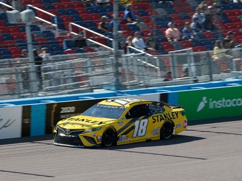 Frustrating Chain of Events Lead to 25th-Place Finish for Busch at Phoenix